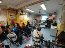 2017年 1月 14日,健康大使來到保良局黃祐祥紀念耆暉中心舉行講座,主題為「如何照顧你的服務對象」。義工們留心聽講,並積極發問。