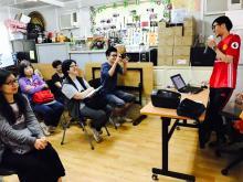 2017年 4月 8日健康大使以「長者情緒支援」為題,向聖公會麥理浩夫人中心社區健康促進服務部的義工舉行講座。義工們都留心聽講,並踴躍發問。